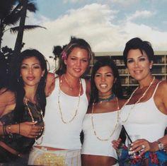 Kourtney Kardashian, Robert Kardashian, Kardashian Style, Kardashian Jenner, Kardashian Family Photo, Kris Jenner, Kendall And Kylie Jenner, Kylie Jenner Young, Kim And Kylie
