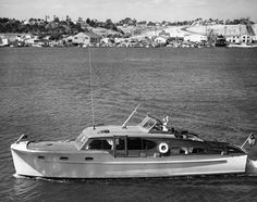 Chris Craft-1946-47DblCabinFB :: The Mariners Museum Image Collection