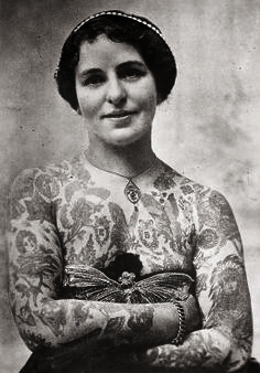 """Edith Burchett in London in 1920 was one very glamorous """"painted lady."""""""