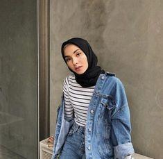 Very challenging face 🙃 anw hijab that I used from Hijab Princess ✨ supe . Hijab Style, Casual Hijab Outfit, Ootd Hijab, Hijab Chic, Hijab Dress, Hijab Fashion Casual, Hijab Fashion Summer, Fashion Muslimah, Street Hijab Fashion