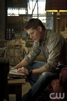 """The Born-Again Identity"" - Jensen Ackles as Dean in SUPERNATURAL on The CW.  Photo: Ed Araquel/The CW©2012 The CW Network, LLC. All Rights Reserved."