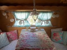 I need to find a small camper, redo it Vintage Chic style, be happy :) .The Tin Can Cottage: My New - Shabby Chic Look - Let's Go Glamping! Vintage Caravans, Vintage Campers, Vintage Trailers, Vintage Rv, Retro Campers, Shabby Vintage, Vintage Travel, Vintage Style, Shabby Chic Campers