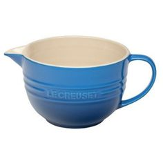 pancake maker Le Creuset The Stoneware Batter Bowl is ideal for mixing batter, pancake mix, or serving milk. The batter will easily pour into a baking pan. The Stoneware Batter Bowl is d Pancake Maker, Le Creuset Stoneware, Gadget Gifts, Mixing Bowls, Kitchen Gadgets, Kitchen Stuff, Kitchen Tools, Kitchen Things, Recipes