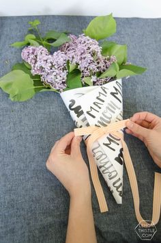 Free Printable Hand Lettered Flower Wraps are perfect for Mothers Day gifts