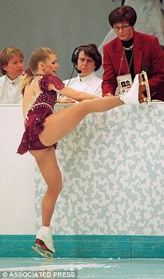 Tonya Harding knew about Nancy Kerrigan plot for two months pre-attack Artistic Gymnastics, Gymnastics Girls, Ice Skating, Figure Skating, Athlete Costume, Nancy Kerrigan, Tonya Harding, Candid Girls, Actress Margot Robbie