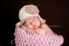 Image of Newborn Baby Hat, Scalloped Edged Earflap Hat