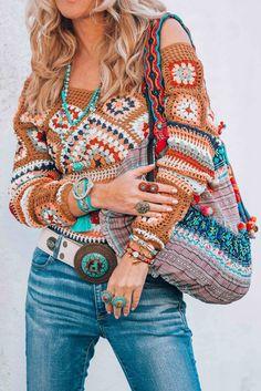 Ideas for an effortless bohemian hippie boho gypsy lifestyle - Street Style Boho Gypsy, Bohemian Mode, Bohemian Lifestyle, Hippie Boho, Boho Chic, Hippie Style, Boho Style, Crochet Blouse, Crochet Top