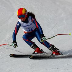Jade Etherington skiing to a silver medal in Women's Downhill #GoParalympicsGB