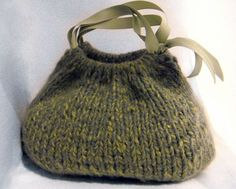 Fast Track Handbag pattern by Nikol Lohr Fast Track Handbag pattern by Nikol Lohr,my favs Ravelry: Fast Track Handbag pattern by Nikol Lohr Related Awesome Crochet Ideas With Easy Patterns - Latest ideas. Knitting Yarn, Knitting Patterns, Knitting Videos, Easy Knitting, Sewing Patterns, Knitted Bags, Knit Bag, Quilted Bag, Patchwork Bags