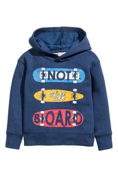 Top in sweatshirt fabric with a hood, print motif on the front, long sleeves with ribbed cuffs and a ribbed hem. Boys Hoodies, Boys T Shirts, Sweatshirts, Toddler Outfits, Baby Boy Outfits, Kids Outfits, H&m Fashion, Kids Fashion Boy, Shirt Print Design