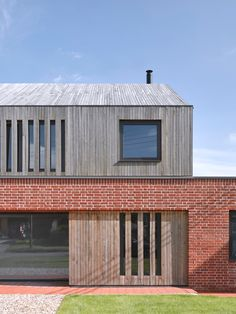 Leather Sectionals for Sale Nash Baker Architects combines brick base and gabled timber top for Broad Street House - Leather Sectionals for Sale Larch Cladding, Brick Cladding, House Cladding, Wood Facade, Exterior Cladding, Brickwork, Cladding Ideas, Timber Architecture, Residential Architecture