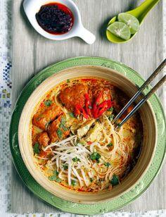 Ribbon And Circus: Friday- Singapore Chicken Laksa {using spaghetti}