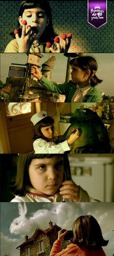 Sabías que Amélie se estrenó en 2001; sin embargo, el director de la película (Jean-Pierre Jeunet) comenzó a recabar información para hacer la historia en 1974. #Amelie #movies #cine