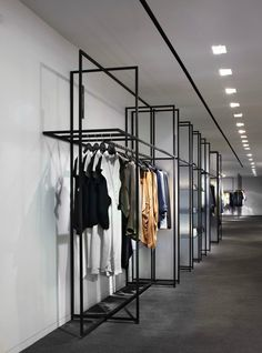 Yabu Pushelberg : 5 retail design projects we love Boutique Design, Boutique Interior, Regal Design, Design Ideas, Showroom Design, Shop Interior Design, Commercial Design, Commercial Interiors, Retail Design