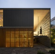B+B House / Studio MK27 + Galeria Arquitetos