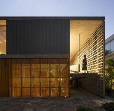 © Fernando Guerra   FG+SG Architects: Studio MK27, Galeria Arquitetos Location: State of São Paulo, Brazil Architect In Charge: Marcio Kogan, Fernanda