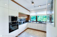 Modern kitchen by auraprojekt modern Kitchen Interior, Kitchen Decor, Modern Kitchen Design, Home Projects, Home Kitchens, New Homes, Kitchen Cabinets, Interior Design, Table