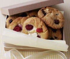 Recipes for Cookies, Baking Recipes - Raspberry & White Chocolate Chunk Cookies | Nestlé Carnation