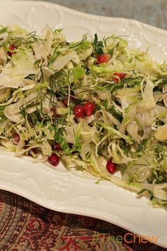 Mario Batali's take on a quick and easy side dish! Shaved Brussels Sprouts and Fennel with Pomegranates and Pecorino Christmas Vegetable Dishes, Vegetable Side Dishes, Vegetable Recipes, The Chew Recipes, Soup Recipes, Cooking Recipes, Side Dishes Easy, Side Dish Recipes, Thanksgiving Recipes