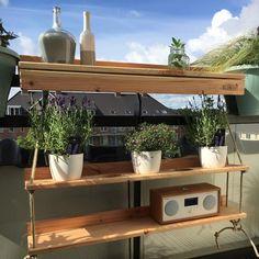 Onlangs maakten ik kennis met een super handige & tevens hippe oplossing voor het inrichten van een klein balkon: De Balkonbar. Stijlvol, handig en duurzaam