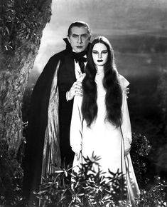 """guitarzone: """" Dracula starring Bela Lugosi premiered 85 years ago today February , """" Except that this is from Mark of the Vampire. Check out Carroll Borland all proto-goth though! Retro Horror, Vintage Horror, Horror Icons, Gothic Horror, Scary Movies, Old Movies, Classic Hollywood, Old Hollywood, Lugosi Dracula"""