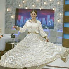 white dress collection ❤in. ✨**unique in white** board created by **Haya Maik** ✨ Pakistani Girl, Pakistani Dresses, Pakistani Actress, Saree Blouse Patterns, Saree Blouse Designs, Indian Gowns, Indian Wear, Indian Outfits, Lehnga Dress