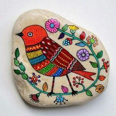 What is it about painted rocks that we just love? Colorful and well adapted to this particular rock. Pebble Painting, Pebble Art, Stone Painting, Rock Painting, Stone Crafts, Rock Crafts, Pebble Stone, Stone Art, Art Pierre