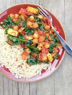 Eating light today before all the Thanksgiving feasting tomorrow. Organic Braised Chickpeas and Bloomsdale Spinach in a Lemony Roasted Tomato Sauce. It's #vegan and #glutenfree @muirglen   #recipe on Vibrantly: http://evpo.st/1HGpM1Z  #mealforameal #flexitarian #plantbased #eatclean #eatrealfood #instafood #love #happy #healthyeating #locavore #farmersmarket #organic