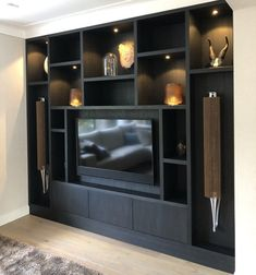 Modern Interior, Home Interior Design, Chesterfield Style Sofa, Living Room Tv, Small Living, Farmhouse Decor, Wall Units, Tv Units, Home And Family