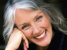 Wechseljahre: Mit Hormon-Yoga zur natürlichen Balance - BRIGITTE WOMAN
