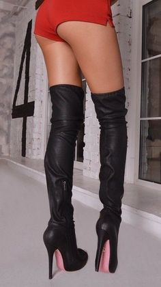 Beautiful boots & A Really Nice derrière! High Heels Boots, High Leather Boots, Sexy Boots, Black High Heels, Thigh High Boots, Over The Knee Boots, Heeled Boots, Shoes Heels, Sexy Stiefel