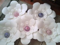 Giant Paper Flowers - backdrop  #Paperflowers #PaperFlowerBackdrop #paperflowerwall