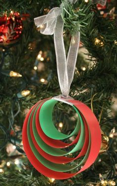 Easy Paper Christmas Ornament Craft - Fantastic Fun & Learning Easy Paper Christmas Ornament Craft - Fantastic Fun & Learning diy christmas ornament crafts for kids - Kids Crafts Kids Crafts, Christmas Crafts For Toddlers, Christmas Crafts To Make, Preschool Christmas, Simple Christmas, Craft Kids, Kids Diy, Craft Projects, Easy Crafts
