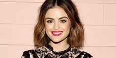 Lucy hale dyes hair golden-blonde color—see photo Lucy Hale, American Music Awards, Hair And Makeup Tips, Hair Makeup, Pixie Cut, Zottiger Bob, Selena Gomez, Style Bob, Hair Style