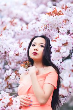 Miss Sakura: Spring Fashion photoshoot in Regent's park, London Lilac Blossom, Sakura Cherry Blossom, Spring Blossom, Cherry Blossoms, Spring Photography, Portrait Photography, Cherry Blossom Pictures, Spring Pictures, Professional Portrait