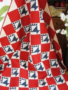 Patriotic Antique Red White and Blue Basket Quilt Small Scale Baskets Old Quilts, Antique Quilts, Vintage Quilts, Star Quilts, Quilt Blocks, Quilting Projects, Quilting Designs, Quilting Ideas, Red And White Quilts