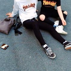 You look really bad, is that a Thrasher t-shirt Link? That's really rough Link. Moda Skate, Look Hip Hop, Thrasher Outfit, Fashion Mode, Mens Fashion, Mode Outfits, Fashion Outfits, Moda Ulzzang, 70s Fashion