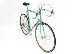 Bianchi Specialissima: a vintage beauty!  http://www.raydobbins.com/ebay/bike-bianchi/bike-bianchi.htm