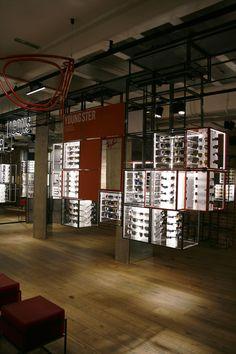 Too Many Agencies - Ray Ban Concept Store London    Interior Design -  Retail Design ac46e0ff444c
