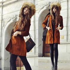 This winter fur hats are in fashion! You should also get a new fur hat for the coming fashion to follow the trend!