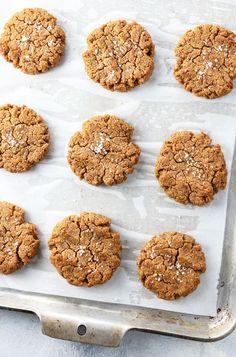 Date Sweetened Peanut Butter Cookies - gluten, dairy & egg-free (Detoxinista)