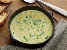 PIONEER WOMAN -  -    BROCCOLI CHEESE SOUP   -  -  Get Ree Drummond's Broccoli Cheese Soup Recipe from Food Network Best Broccoli Cheese Soup, Cheesey Broccoli, Brocolli Cheese, Fresh Broccoli, Asparagus Soup, Broccoli Cheddar, Broccoli Cornbread, Broccoli Bites, Frozen Broccoli