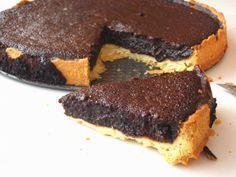 Verdiğim başlıkta çok samimiyim.Bir tart ancak bu kadar lezzetli olabilir.Birçok çikolatalı tart tarifi not aldım ve hemen hemen hepsinin...