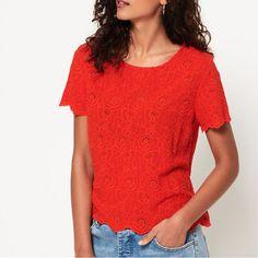 Superdry極度乾燥、ケミカルレースの花の装飾とスカラップが優雅で女性らしいニットTシャツ