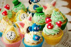 alice in wonderland cakes!