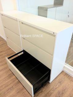 橫排3斗柜桶 ~ 柜身內外色:白色 ~ 柜桶面色:米色  ~ 呎吋:W900 x D450 x H1050mm