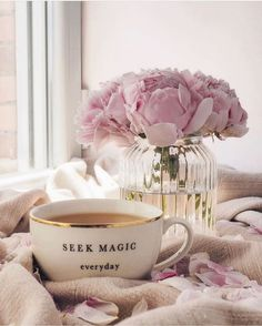 Discovered by granmaster_by. Find images and videos about flowers and coffee on We Heart It - the app to get lost in what you love. Coffee And Books, I Love Coffee, Pause Café, Coffee Photography, Pink Aesthetic, Simple Pleasures, Belle Photo, Tea Party, Tea Cups