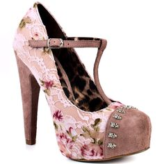 Hi, hello! Nice to meet you, can we be friends? OH Betsey Johnson, the things you do to me!!!!