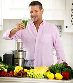 Joe Cross' Mean Green Juice -- 1 cucumber 4 celery stalks 2 apples leaves kale (Australian tuscan cabbage) lemon 1 tbsp ginger Juice Smoothie, Smoothie Drinks, Healthy Smoothies, Healthy Drinks, Smoothie Recipes, Green Smoothies, Eat Healthy, Healthy Meals, Healthy Living