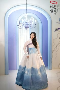 Korean Traditional Dress, Traditional Wedding Dresses, Traditional Fashion, Traditional Outfits, Korean Hanbok, Korean Dress, Korean Outfits, Asian Cute, Cute Korean